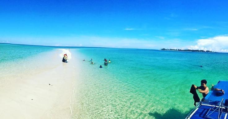 keindahan-pulau-derawan-kaltim1.jpg